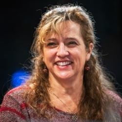 Beth Lederman Headshot