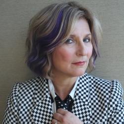 Janis Siegel Headshot