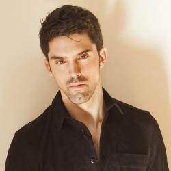 baritone Alex Lawrence