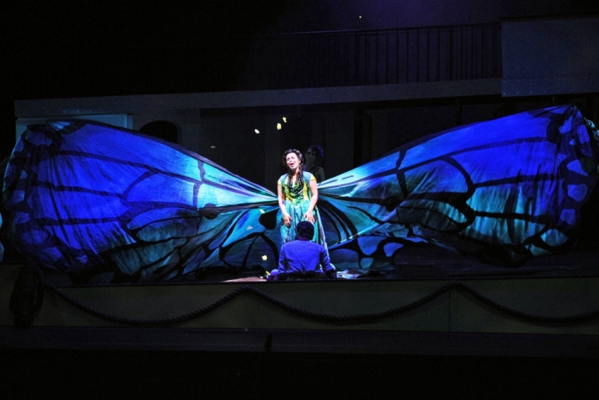 Florencia en el Amazonas - Arizona Opera